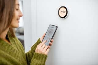 using a smart themostat to control the heating