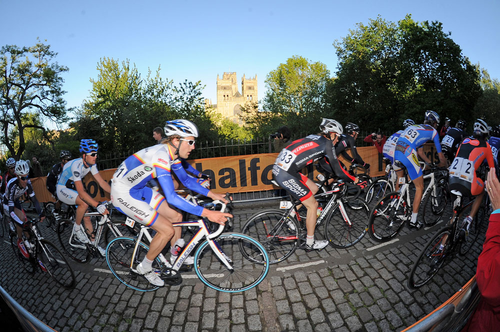 Durham Cathedral, Tour Series 2011, round one
