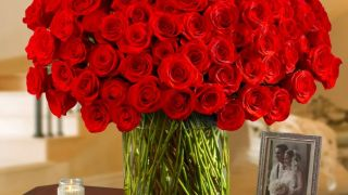 Valentine's Day flower delivery sales