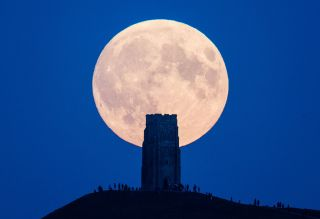 It's Just a Phase: The Supermoon Won't Drive You Mad   Live