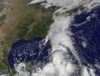 tropical-storm-nicole2-100929-02