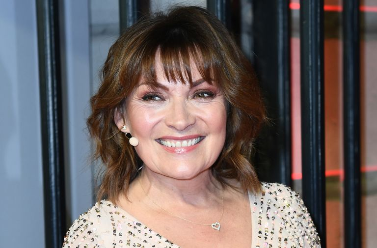 lorraine kelly repliates duchess meghan shirt dress looks