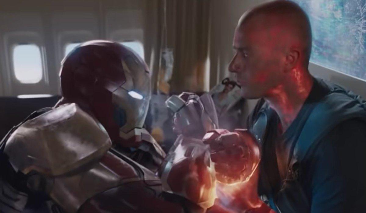 Iron Man 3 Iron Man And Savin