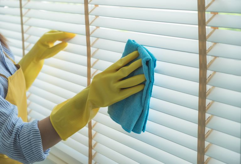 how to clean blinds properly