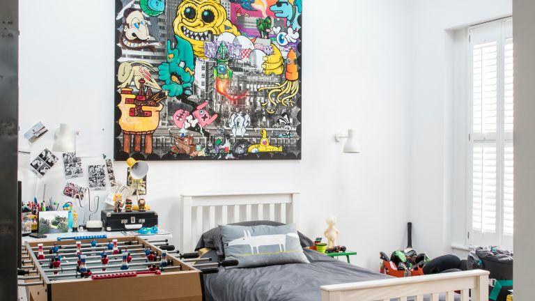 Teen bedroom with graffiti print