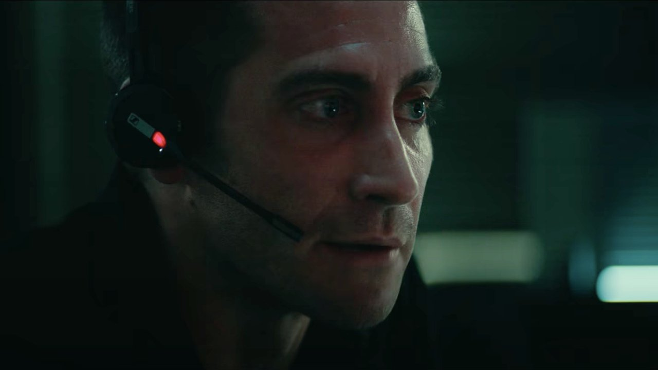Jake Gyllenhaal Had To Rely On Zoom To Film Netflix's The Guilty And It Presented Wild New Challenges