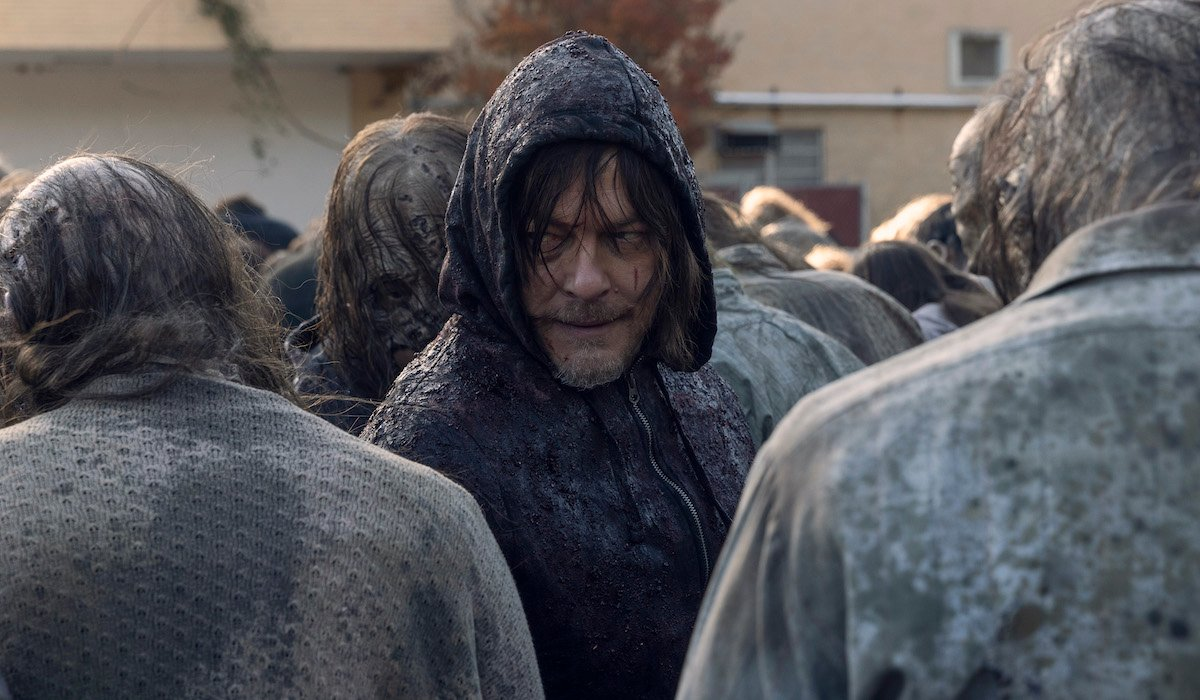 thw walking dead daryl hiding among walkers amc