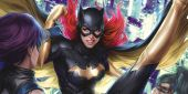 One Baywatch Star Wants To Play The DCEU's Batgirl
