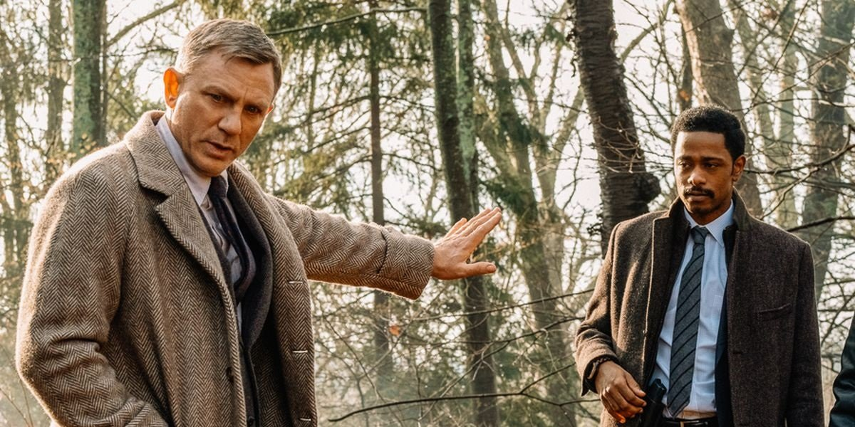 Daniel Craig and Lakeith Stanfield in Knives Out