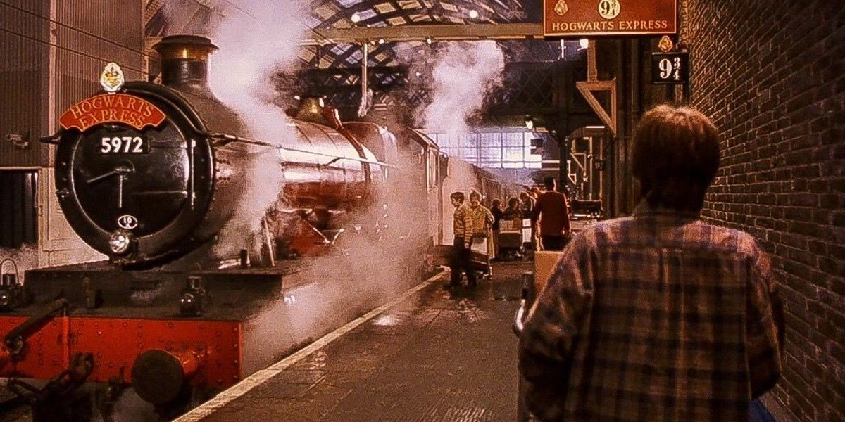 The Hogwars Express in Harry Potter and the Sorcerer's Stone (2001)
