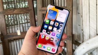 How to set up your iPhone 13 using Quick Start
