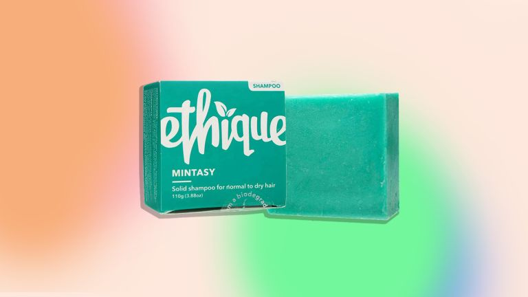 Ethique Mintasy Shampoo bar is one of the best shampoo bars on the market