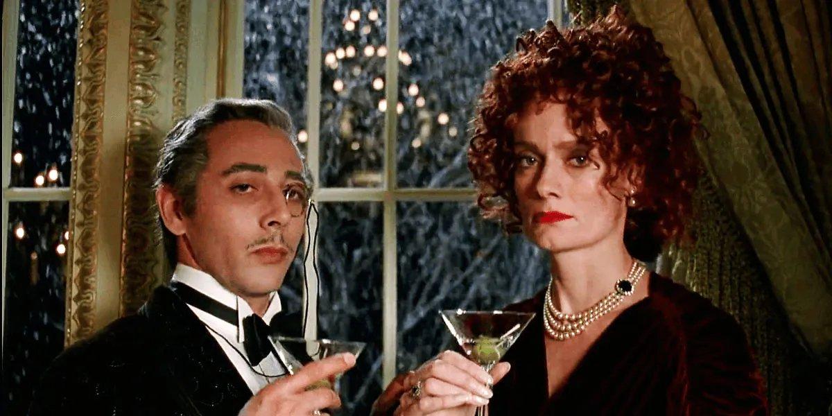 Paul Reubens and Diane Salinger in Batman Returns
