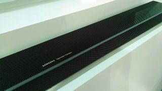Q70 Soundbar