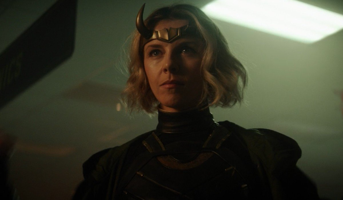 Lady Loki staring down Loki Loki Disney+