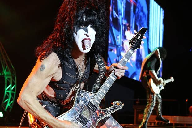 someone made an edm track out of paul stanley 39 s stage banter and it 39 s glorious guitarworld. Black Bedroom Furniture Sets. Home Design Ideas