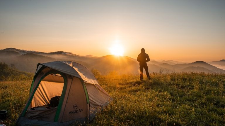 Camping essentials: camping checklist