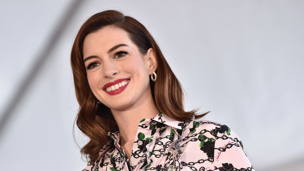 Anne Hathaway's 'French Girl' bangs will be most requested hair cut of 2021