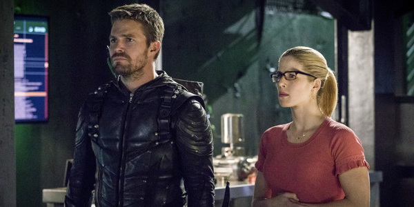 arrow oliver felicity the cw