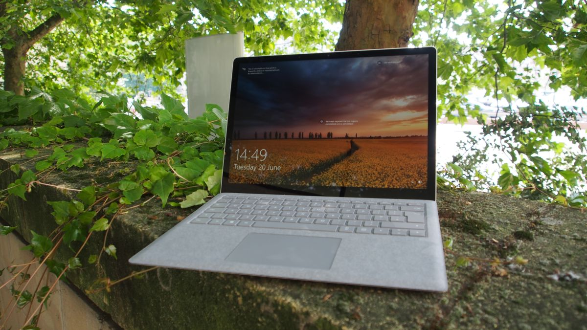 Microsoft's impressive fiscal results show Surface devices are alive and kicking