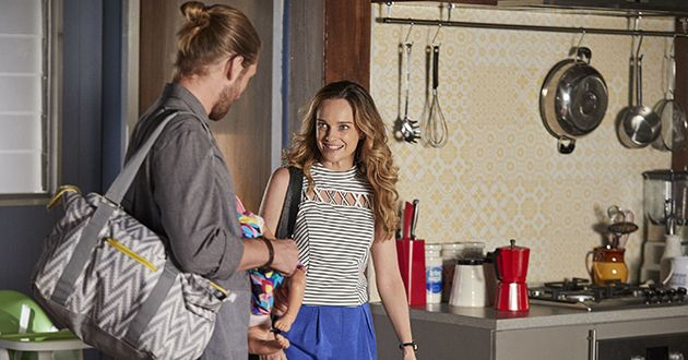 Tori Morgan enters the house to see Ash Ashford in Home And Away.