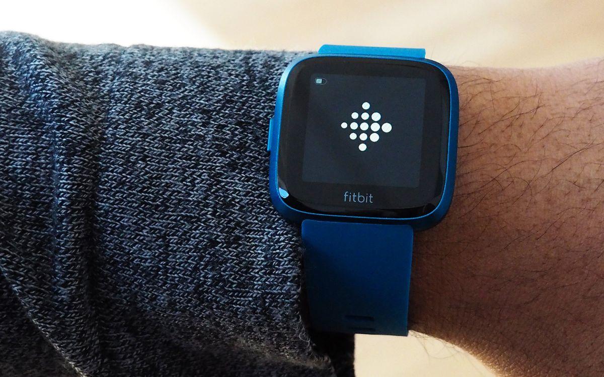 Fitbit Versa Lite vs Fitbit Versa: What's Different? | Tom's Guide