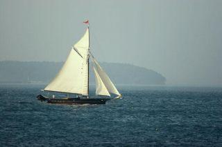 sailboat-100929-02