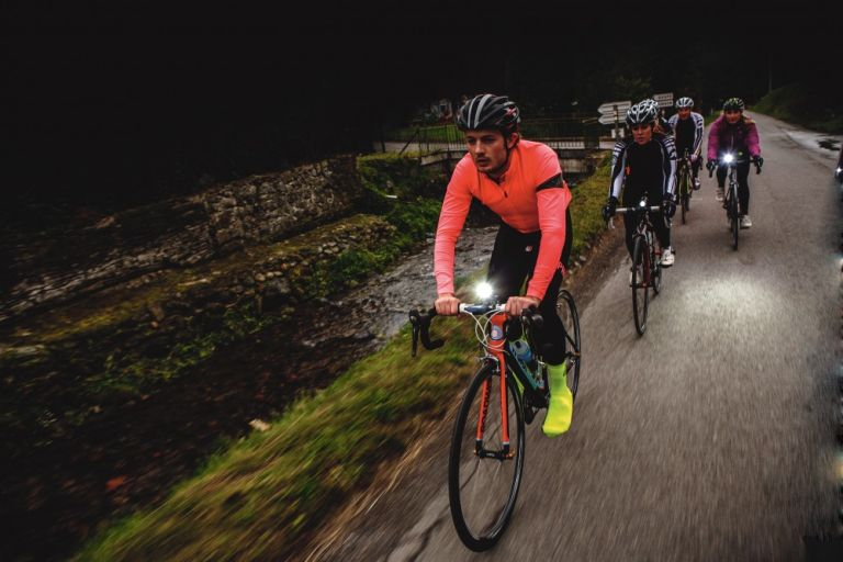Group cycling with lights
