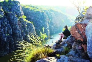 The adventurer, Ray Mears, continues his journey through the Northern Territory, exploring Nitmiluk National Park