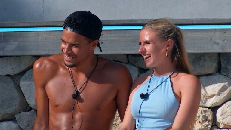 Chloe Burrows and Toby Aromolaran in Love Island 2021