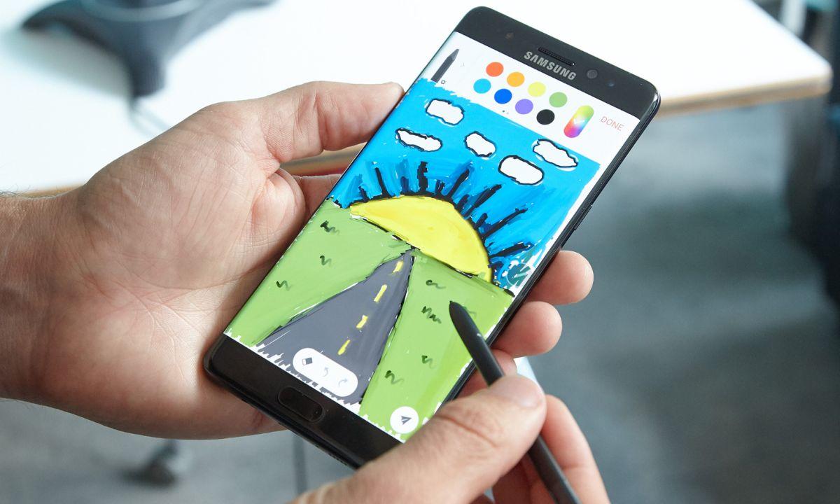 Samsung Halts Note 7 Sales, Gives Apple Best Gift Ever