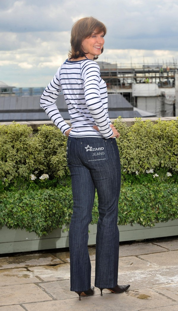 Fiona Bruce shows of her pert posterior after winning Rear of the Year in 2010