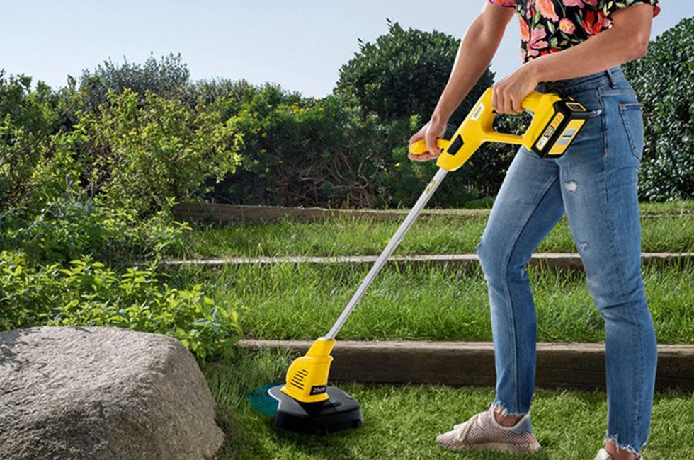 Best Cordless Strimmer: 5 Top Tools to Achieve a Pristine Lawn