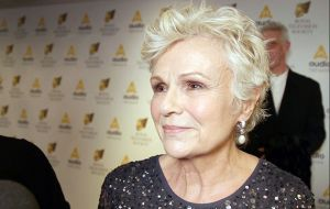 170321 WOTV - RTS Awards_Julie Walters.00_02_47_18.Still003