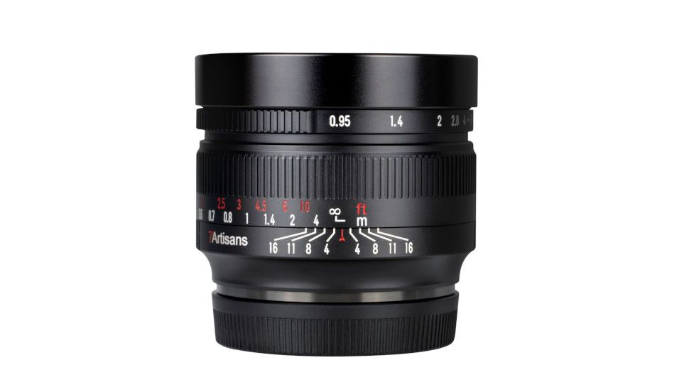 Blistering 50mm f 0 95 arrives for Sony  Nikon  Canon  Fuji  Olympus   Panasonic cameras