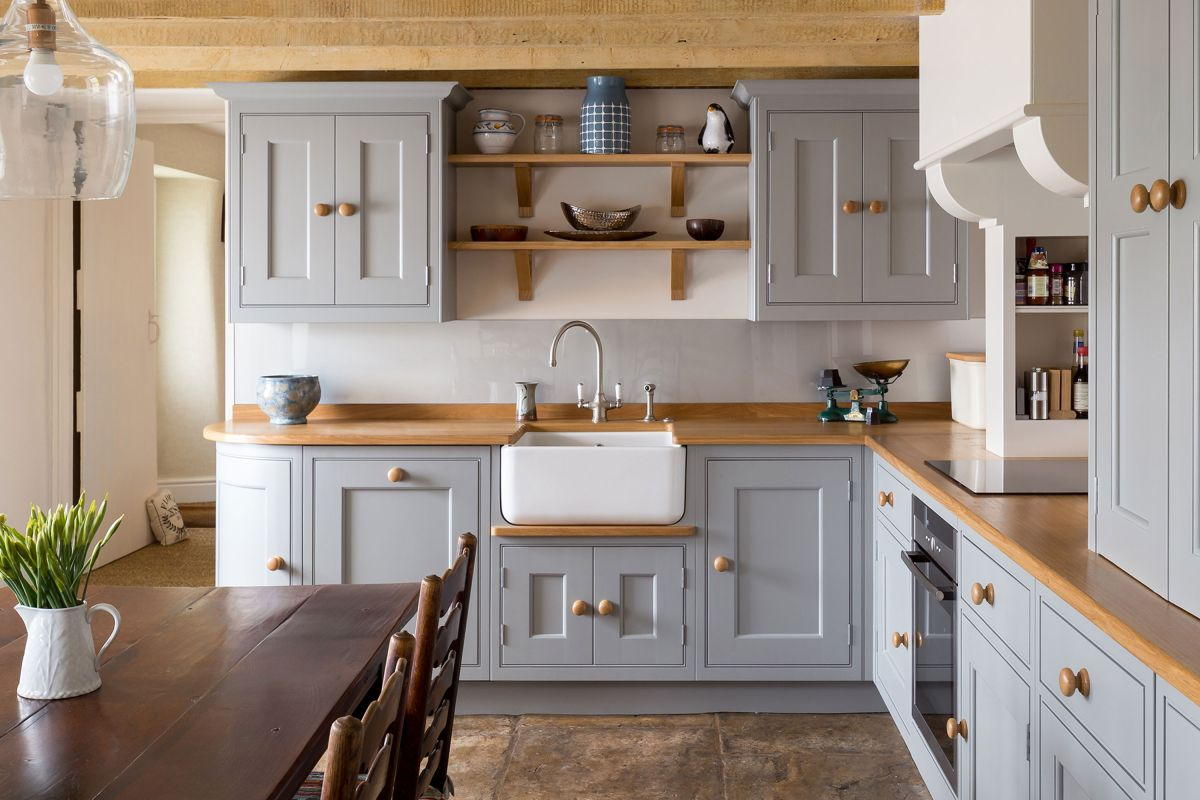Achieve a farmhouse kitchen look with these tips