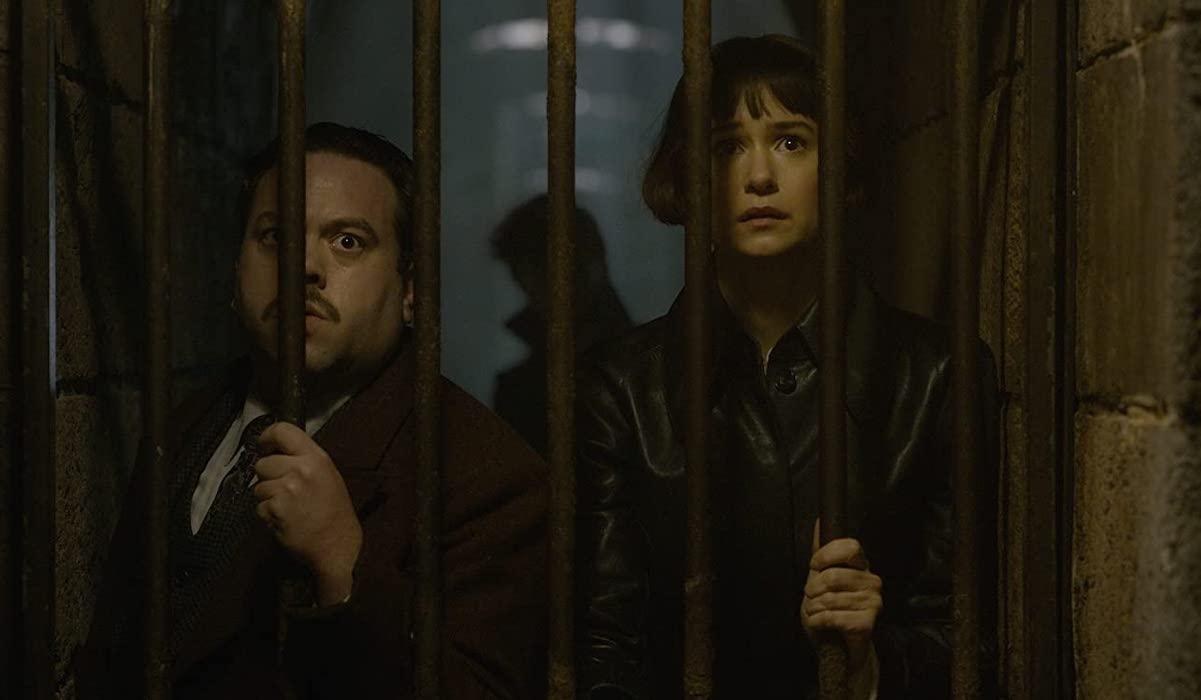 Dan Fogler and Katherine Waterson in Fantastic Beasts: Crimes of Grindelwald