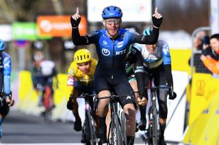 NTT's Giacomo Nizzolo wins stage 2 of Paris-Nice in Chalet-sur-Loing