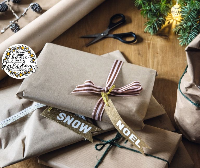 period living how to wrap gifts