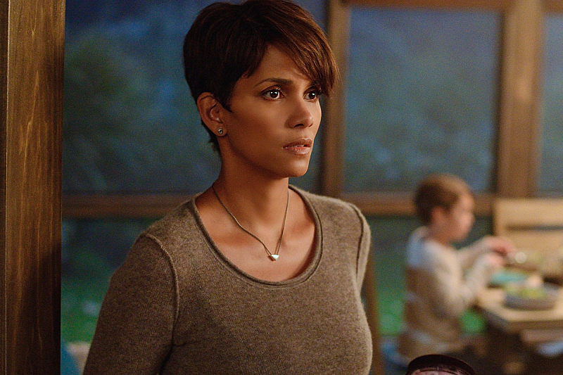 First Extant Trailer Puts Halle Berry In Space And Humanity Possibly In Peril  #31208