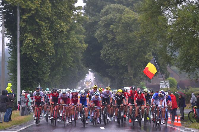 The peloton in the rain during stage 2 at the Tour de France