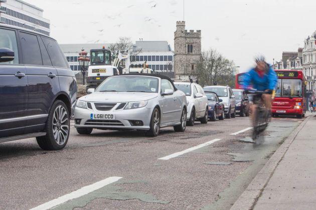 cycling_commuting_4850685