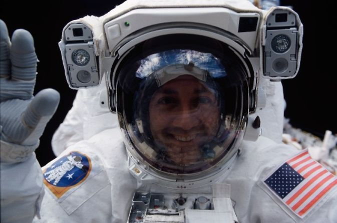 It's Time to go Back to the Moon, According to This Astronaut