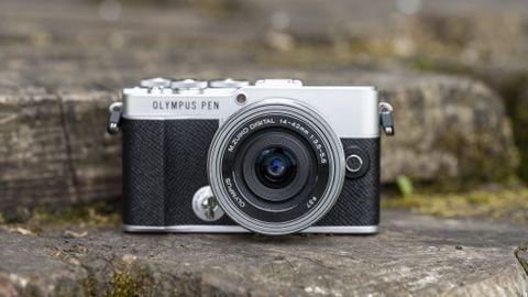 L'Olympus PEN E-P7 et son kit 14-42 mm