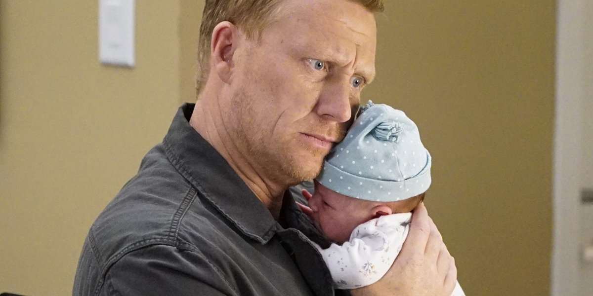 Grey's Anatomy Owen holds baby Allison ABC