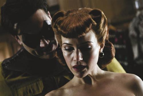 Watchmen - Jeffrey Dean Morgan as The Comedian & Carla Gugino as Silk Spectre