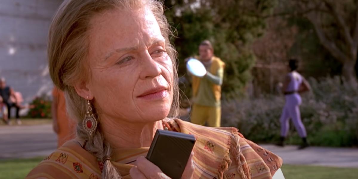 Linda Hamilton in an alternate ending for Terminator 2: Judgment Day