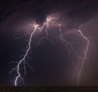 lightning-110511-02