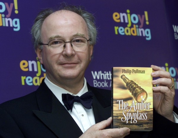Philip Pullman at the Whitbread Prize in 2002 with his book, The Amber Spyglass