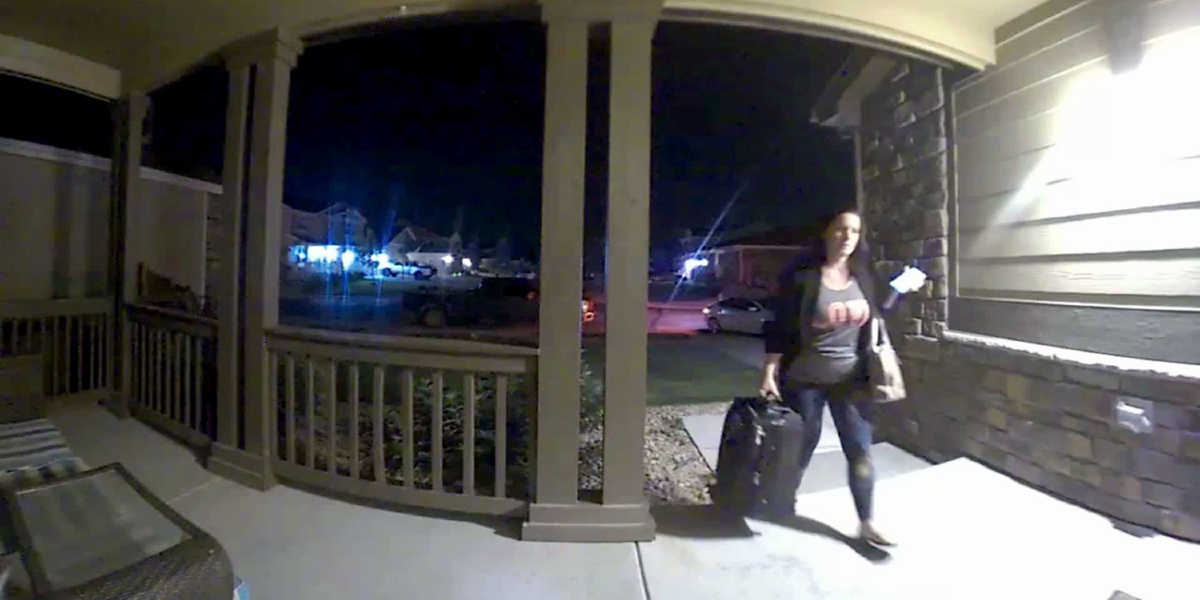 Shanann Watts returning home from a business trip